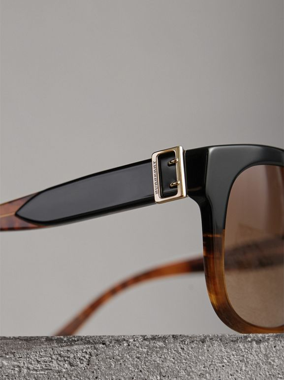 Buckle Detail Square Frame Sunglasses in Black - Women | Burberry Hong Kong - cell image 1