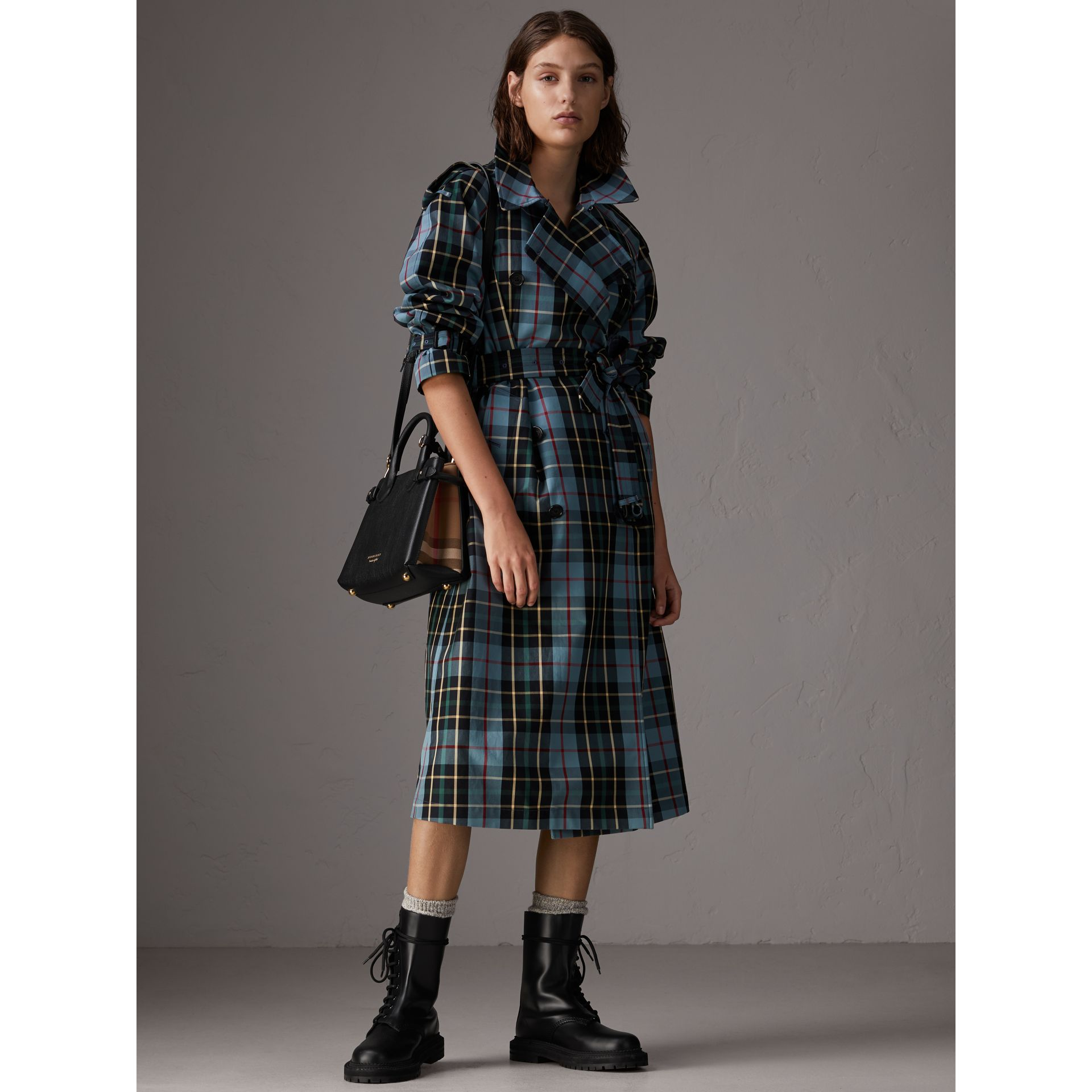 The Small Banner in Leather and House Check in Black - Women | Burberry Australia - gallery image 2