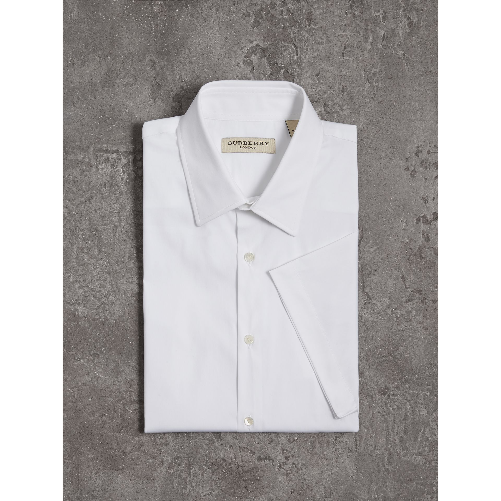 Modern Fit Short-sleeved Stretch Cotton Shirt in White - Men | Burberry - gallery image 4