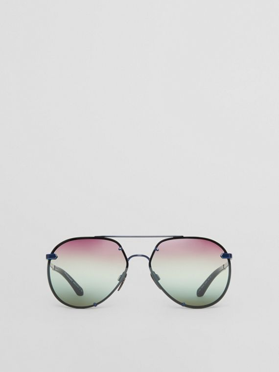 Check Detail Pilot Sunglasses in Blue