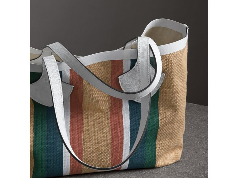 The Medium Giant Tote in Striped Jute in Chalk White - Women | Burberry - cell image 4