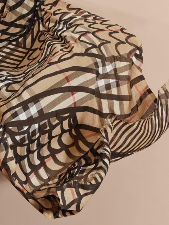 Schal aus Wolle und Seide mit Karomuster und Trompe-l'Œil-Effekt (Camelfarben/schwarz) - Damen | Burberry - cell image 3