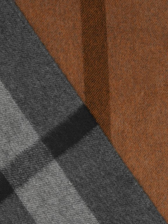 Colour Block Check Cashmere Scarf in Toffee | Burberry - cell image 1