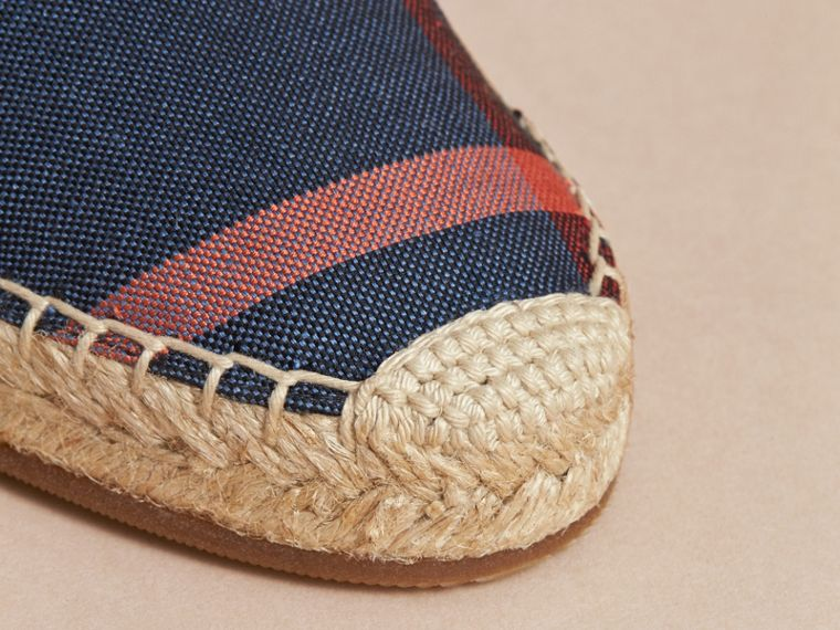 Leather and Check Linen Cotton Espadrille Sandals in Navy - Women | Burberry - cell image 4