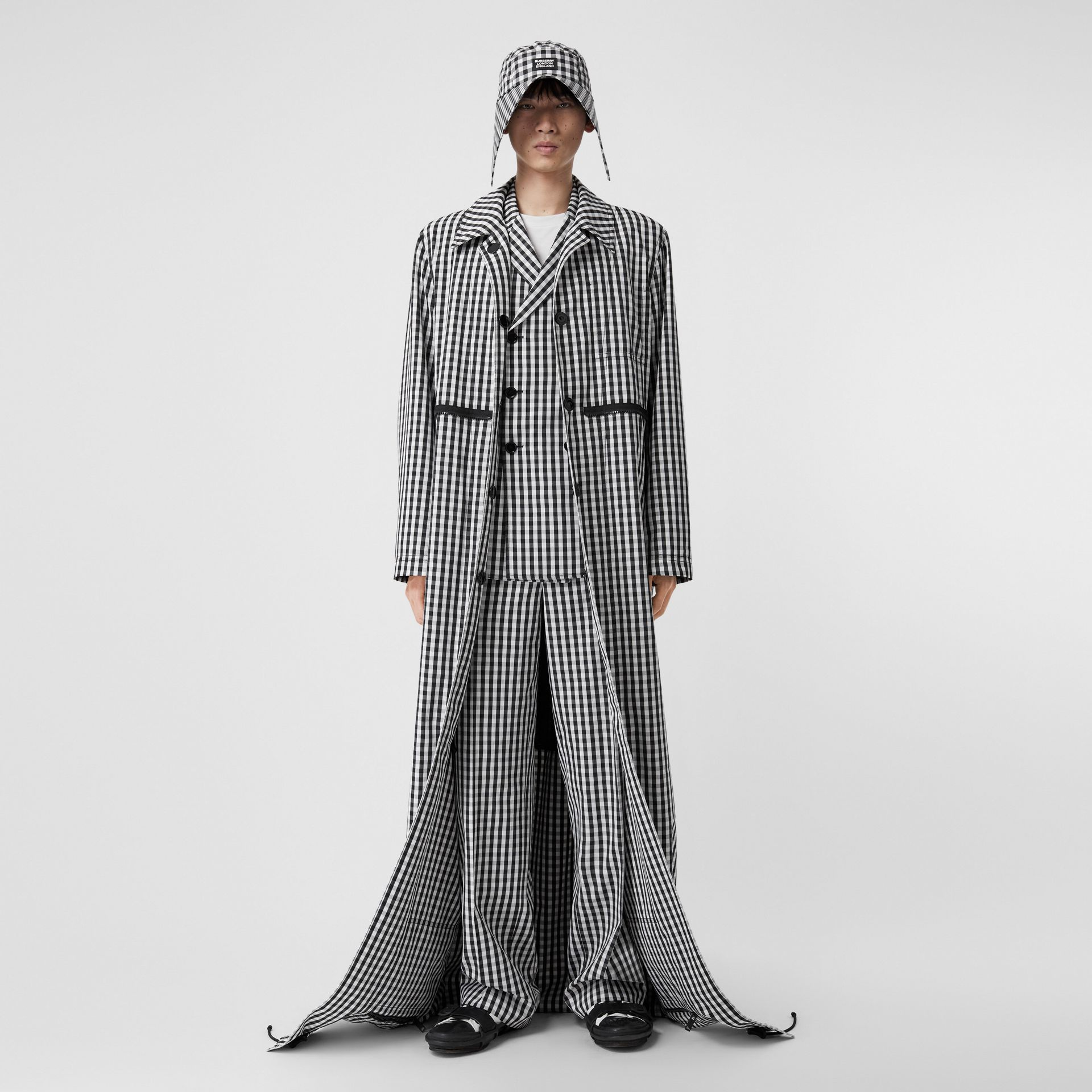 Gingham Technical Wool Loop-back Car Coat in Black | Burberry - gallery image 5