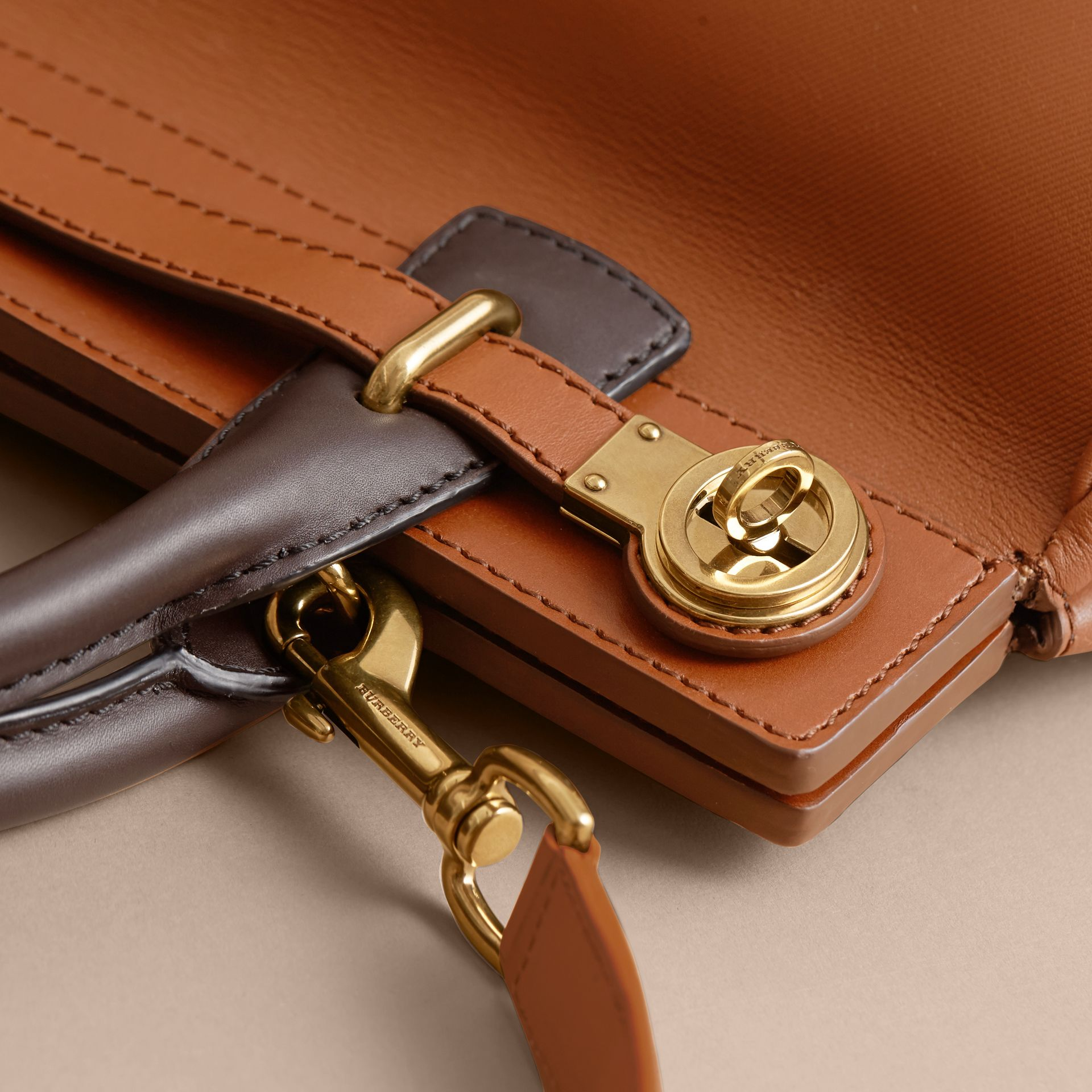 The DK88 Luggage Bag Tan - gallery image 2