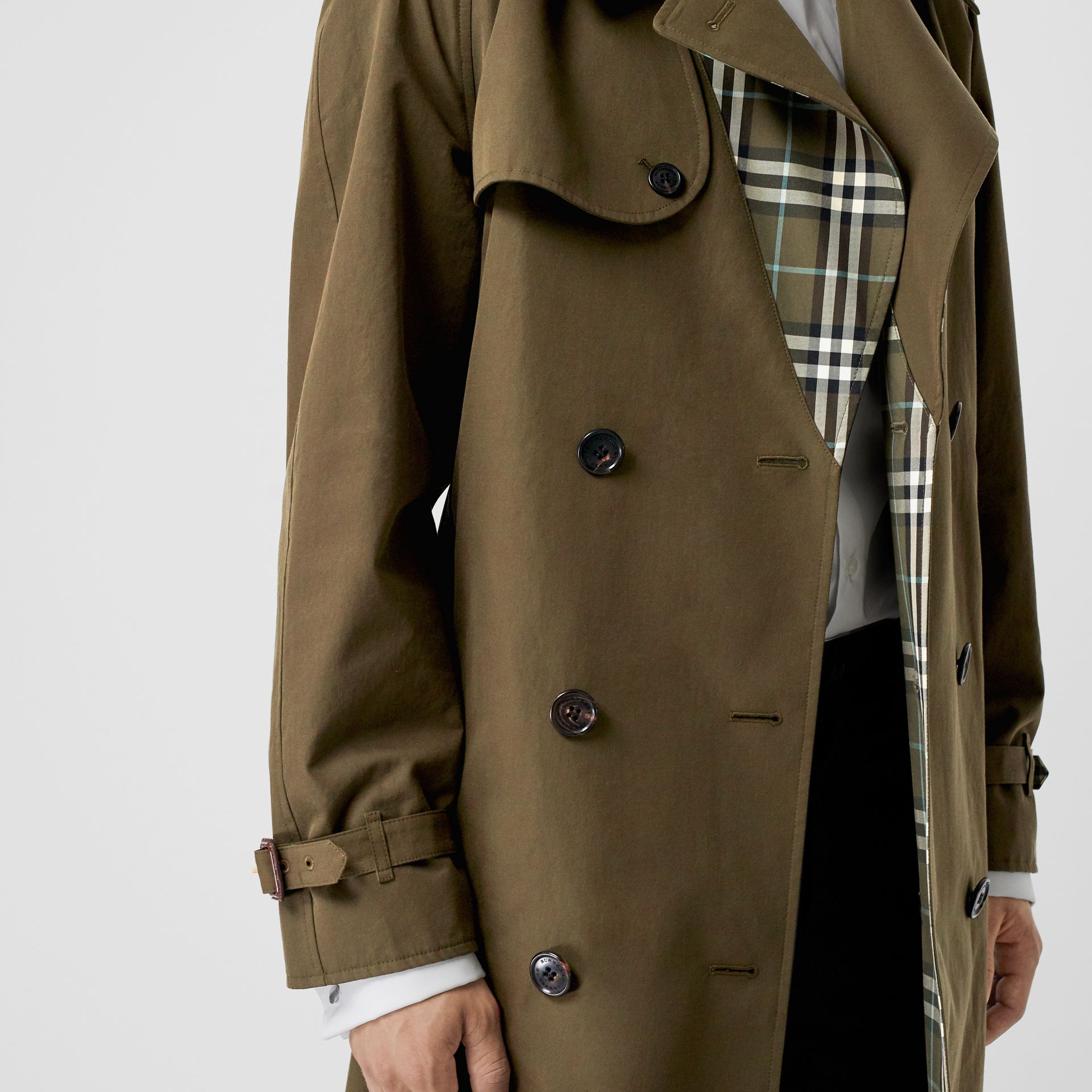 Reversible Tropical Gabardine and Check Trench Coat in Olive Green - Men | Burberry United Kingdom - gallery image 4