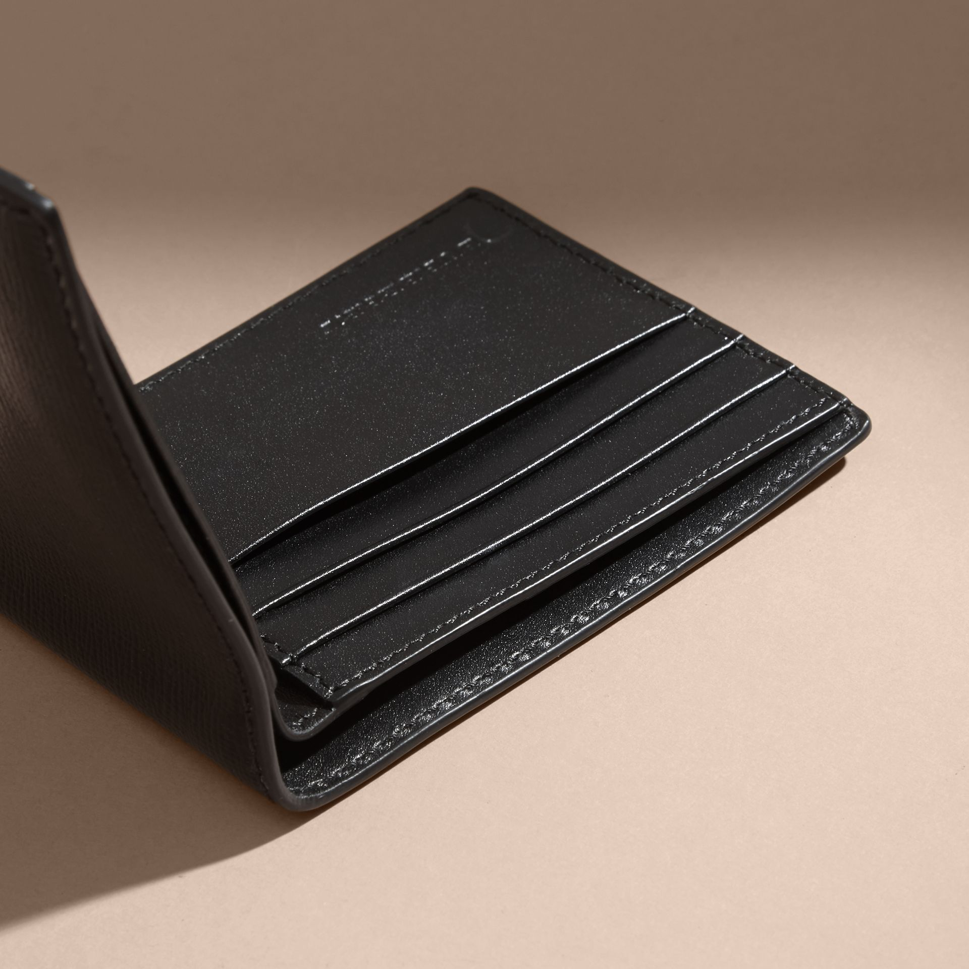 London Leather Bifold Wallet in Black | Burberry - gallery image 3