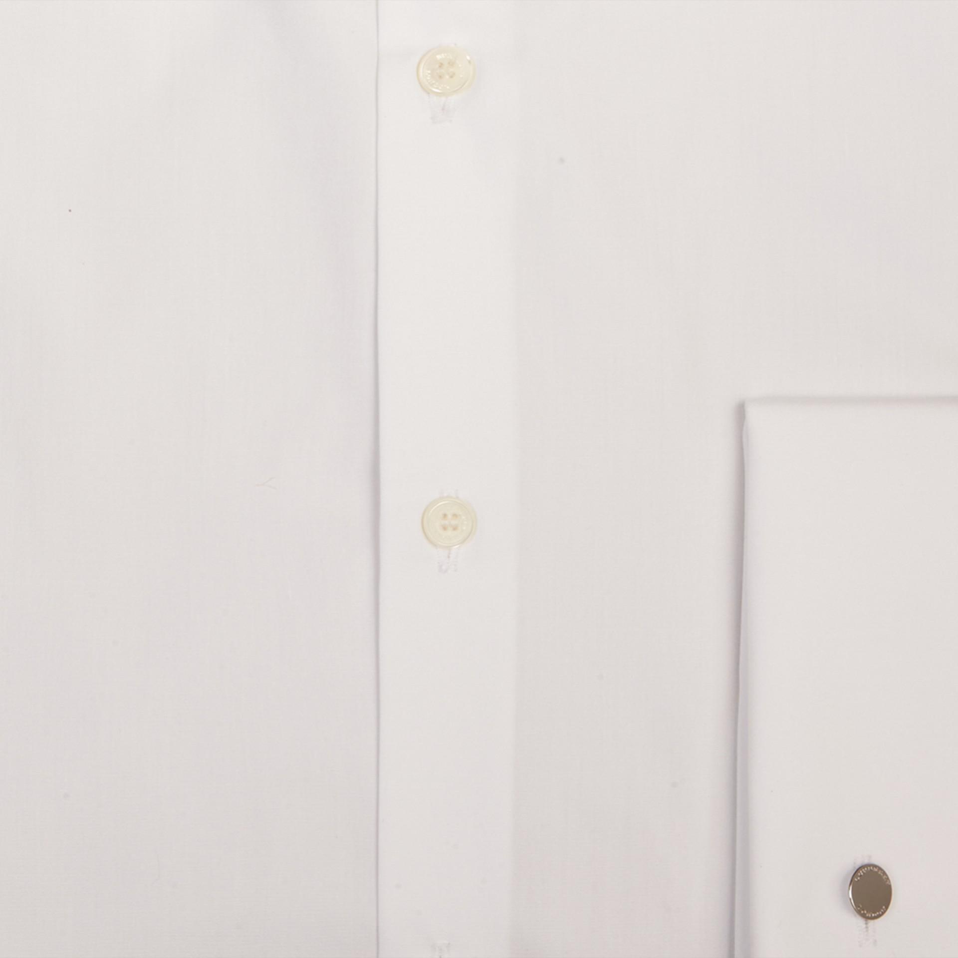 Blanc Chemise ajustée en popeline de coton à poignets mousquetaires - photo de la galerie 2