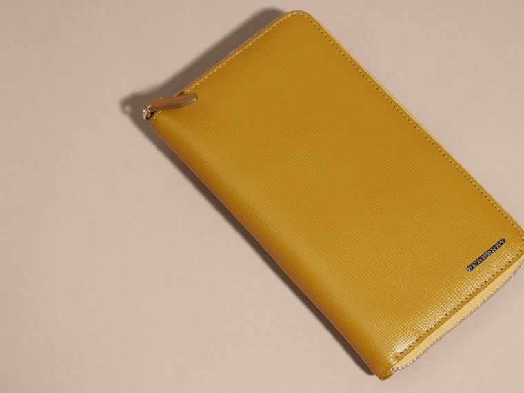 London Leather Ziparound Wallet in Larch Yellow - cell image 4