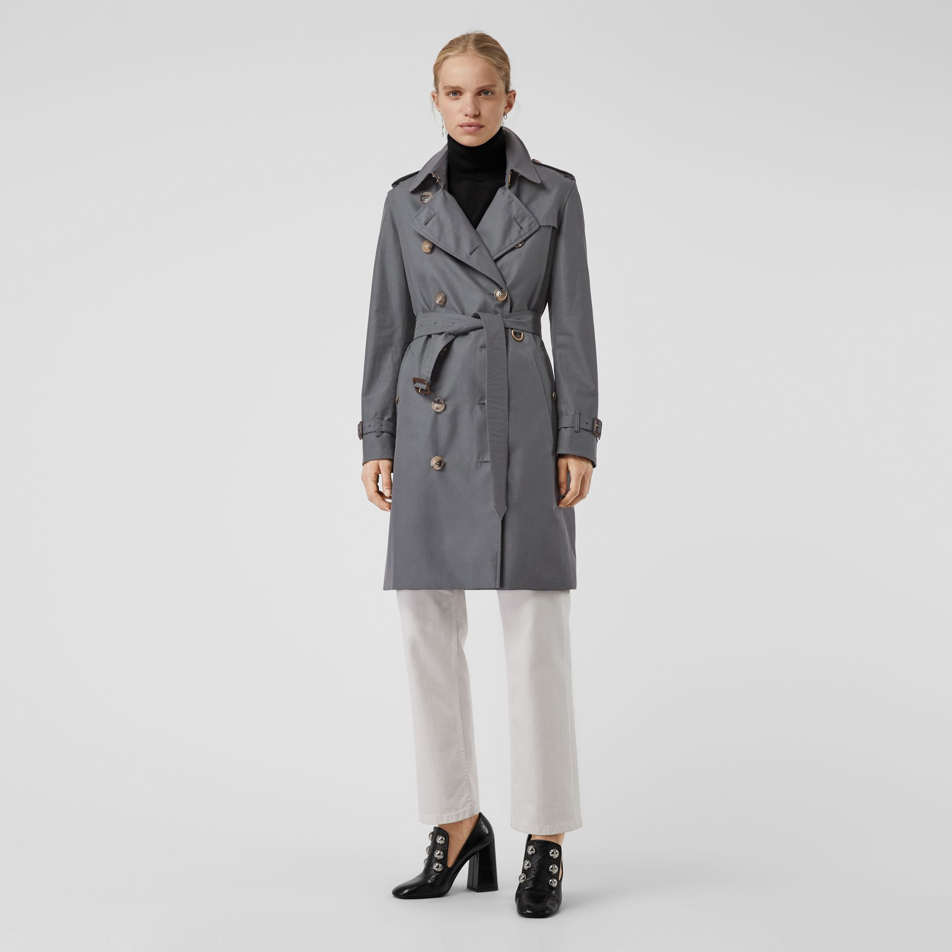 The Kensington Heritage Trench Coat in Mid Grey - Women | Burberry United Kingdom - gallery image 0