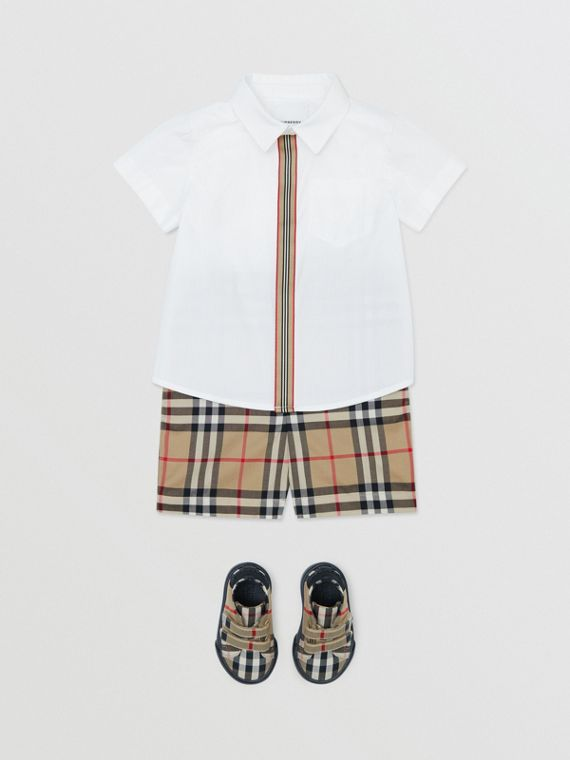 Short-sleeve Icon Stripe Trim Stretch Cotton Shirt in White