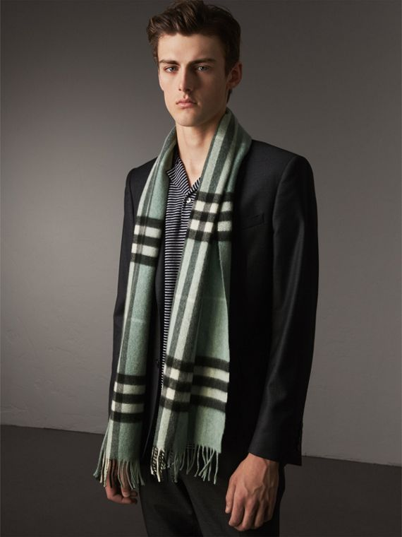 The Classic Cashmere Scarf in Check in Dusty Mint | Burberry Singapore - cell image 3