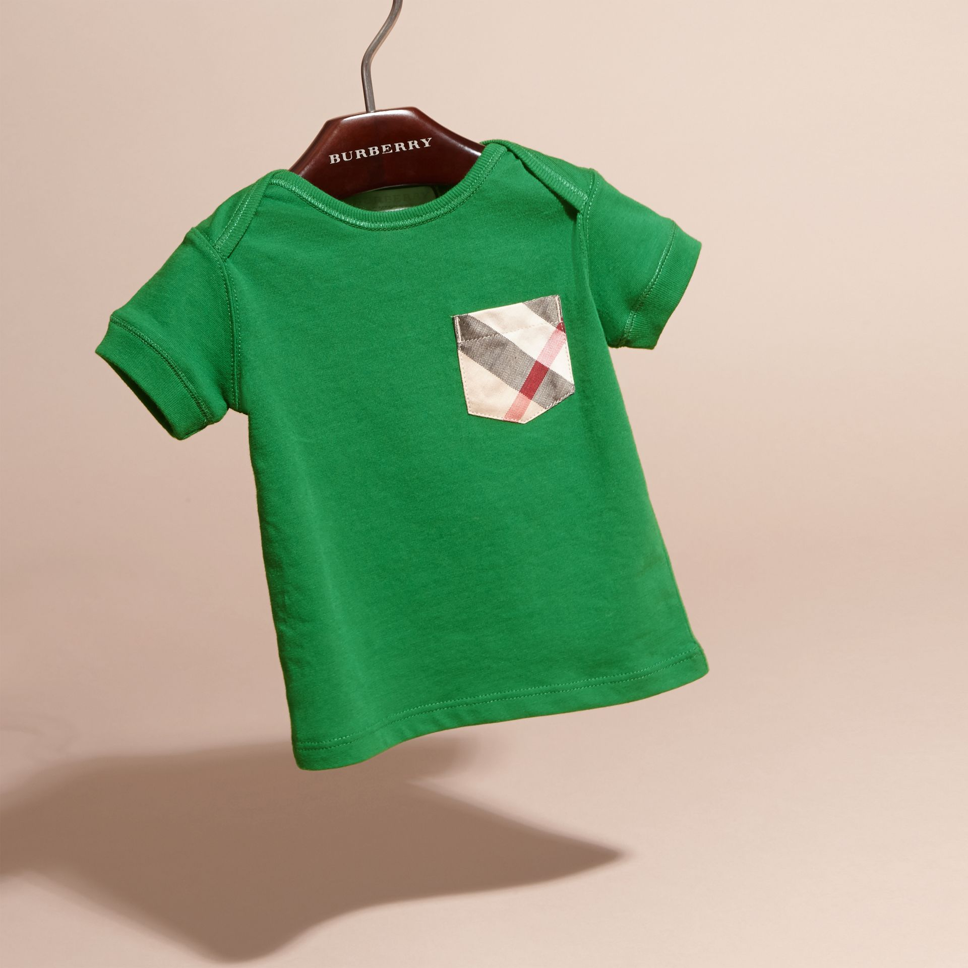 Check Pocket T-Shirt Bright Pigment Green - gallery image 3