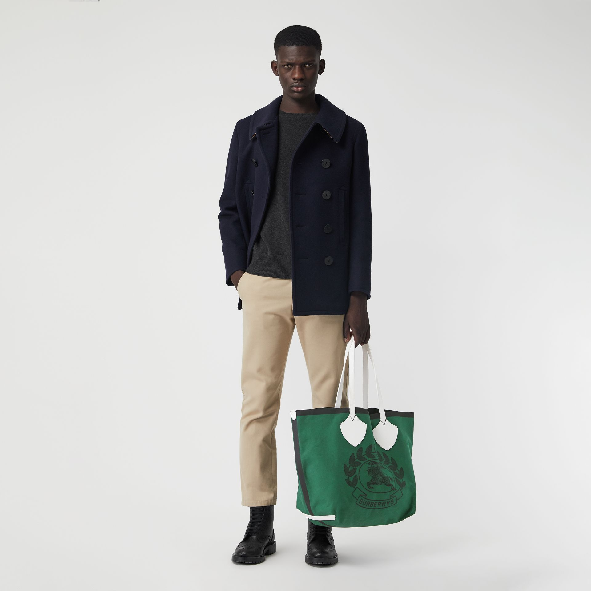 The Giant Tote in Archive Crest Cotton in Dark Racing Green | Burberry - gallery image 4