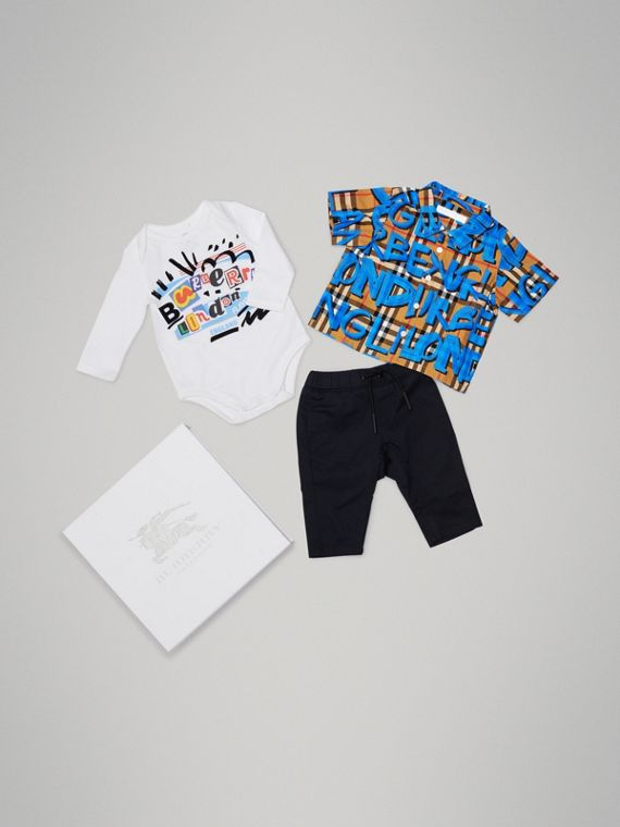 Graffiti Print Cotton Three-piece Baby Gift Set in Bright Blue
