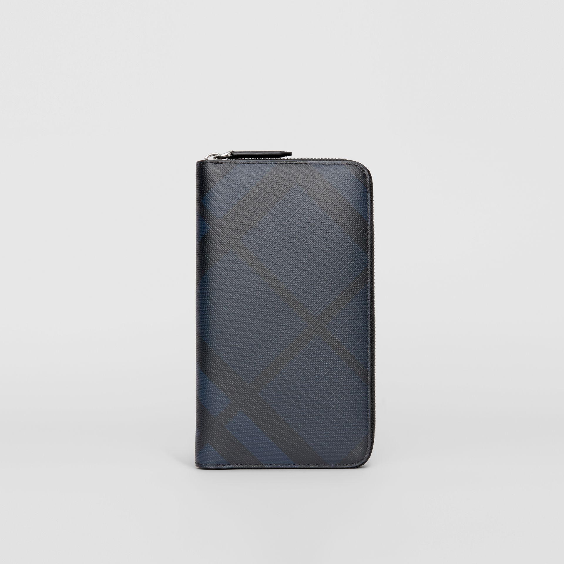London Check Ziparound Wallet in Navy/black - Men | Burberry United Kingdom - gallery image 2