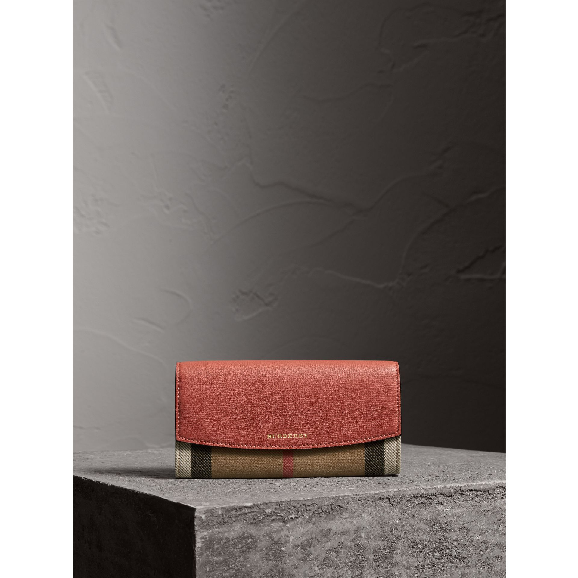 House Check And Leather Continental Wallet in Cinnamon Red - Women | Burberry Canada - gallery image 5