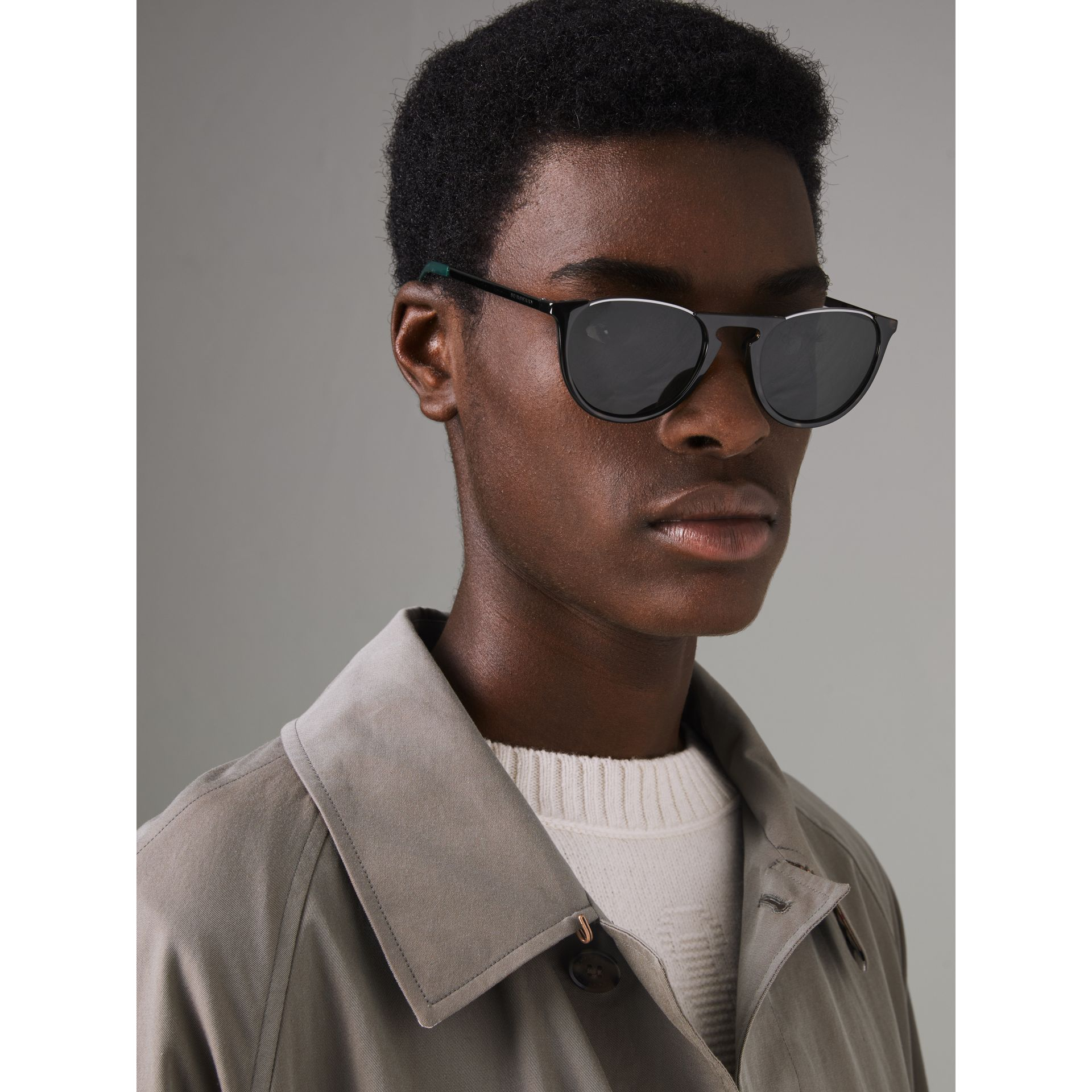Keyhole Pilot Round Frame Sunglasses in Tortoise Shell - Men | Burberry United Kingdom - gallery image 3