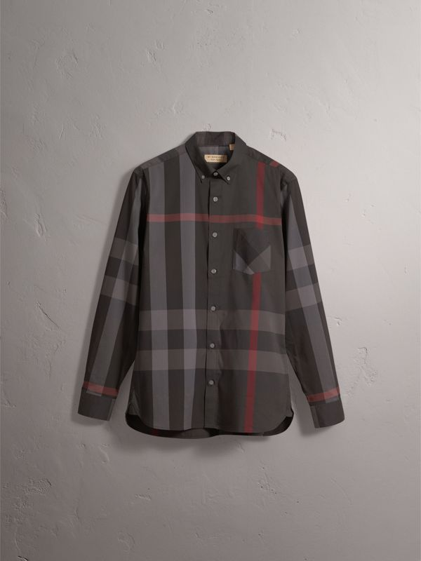 Camicia in misto cotone stretch con motivo tartan e colletto button-down (Nero Fumo) - Uomo | Burberry - cell image 3