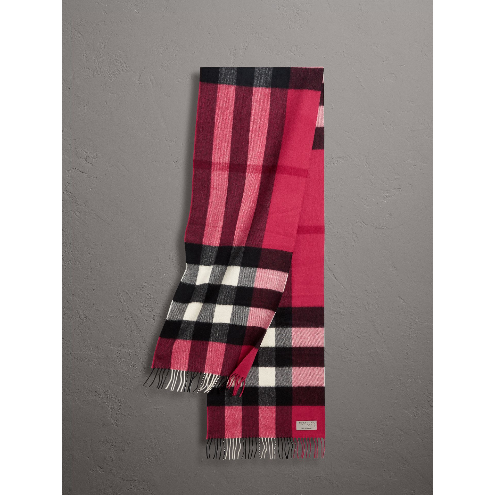 The Large Classic Cashmere Scarf in Check in Fuchsia Pink | Burberry - gallery image 0