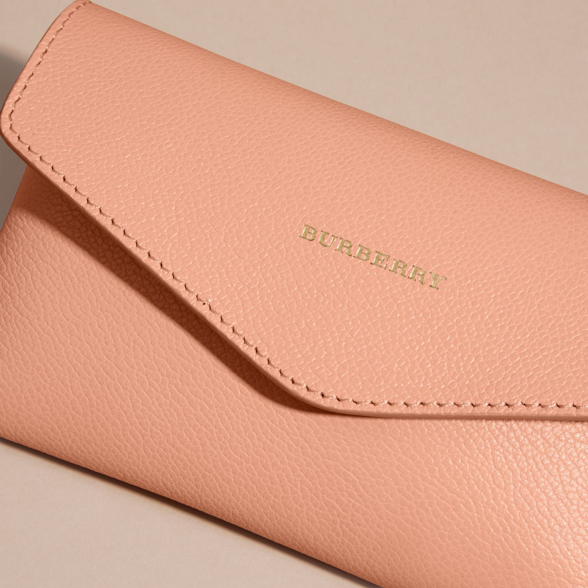 Leather Noughts and Crosses Set and Case in Pink Apricot | Burberry - gallery image 2
