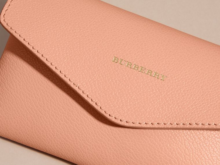 Leather Noughts and Crosses Set and Case in Pink Apricot | Burberry - cell image 1