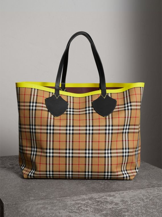 Sac tote The Giant réversible en coton à motif Vintage check et cuir (Rouge Acajou/jaune Antique)