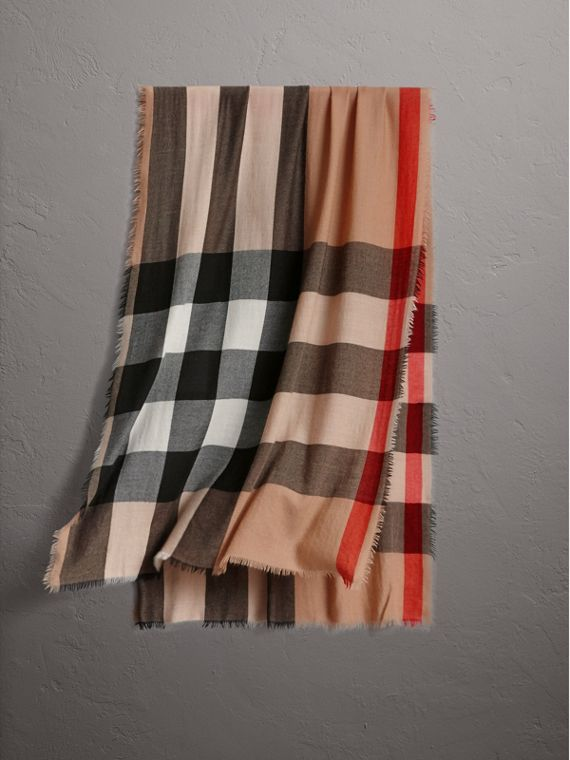The Lightweight Cashmere Scarf in Check in Camel