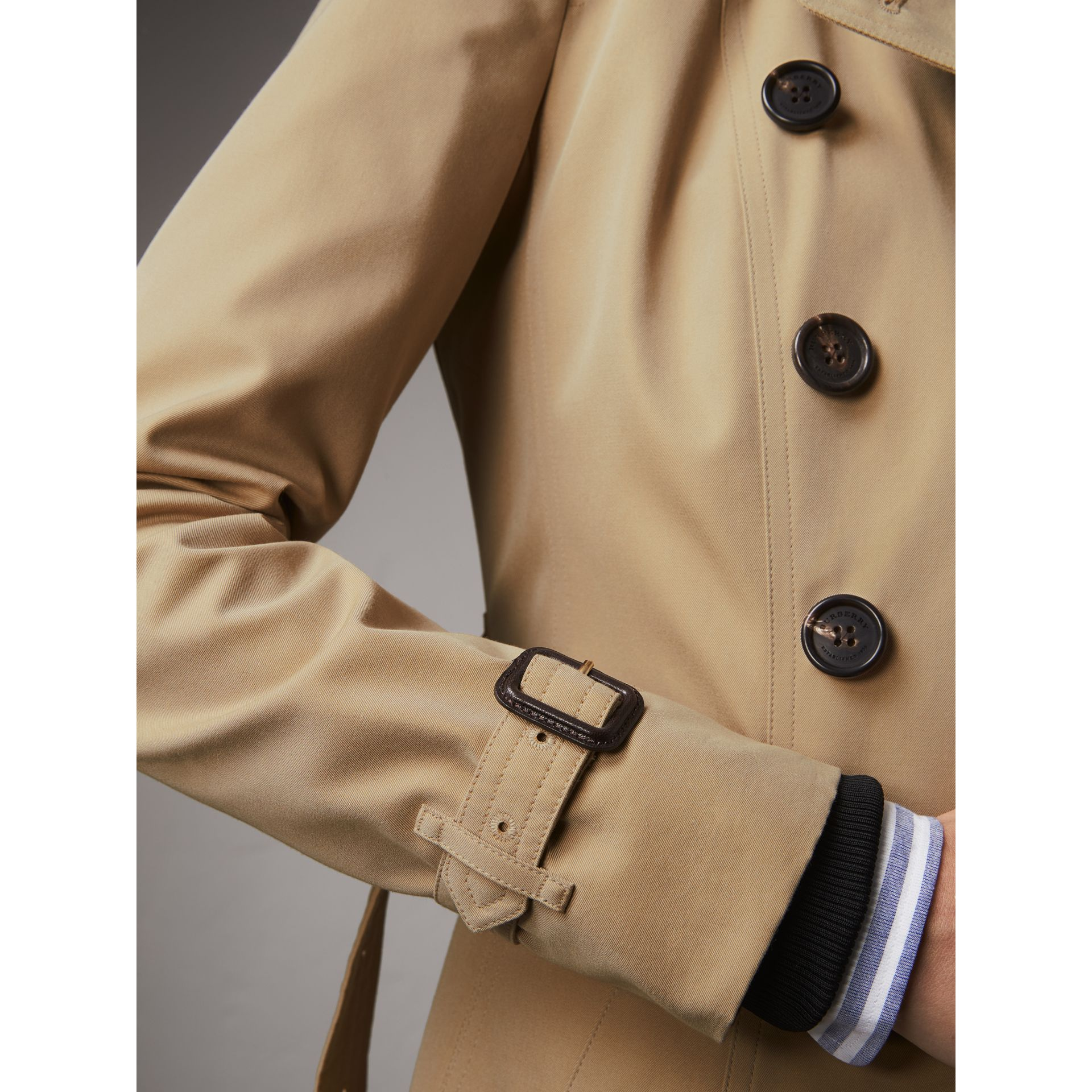 The Chelsea – Extra-long Trench Coat in Honey - Women | Burberry United States - gallery image 5