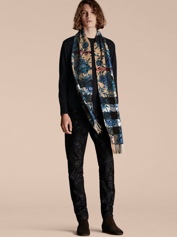 Ink Reversible Floral Print and Check Cashmere Scarf - cell image 3