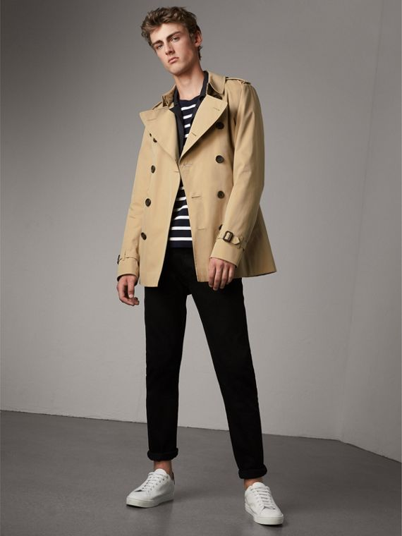 The Kensington – Short Heritage Trench Coat in Honey - Men | Burberry