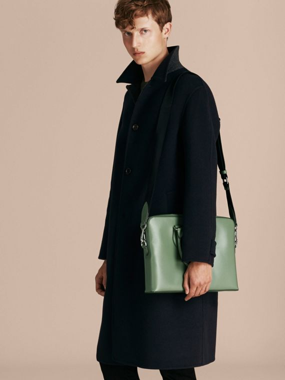 Sac The Barrow fin en cuir London Vert Antique - cell image 3