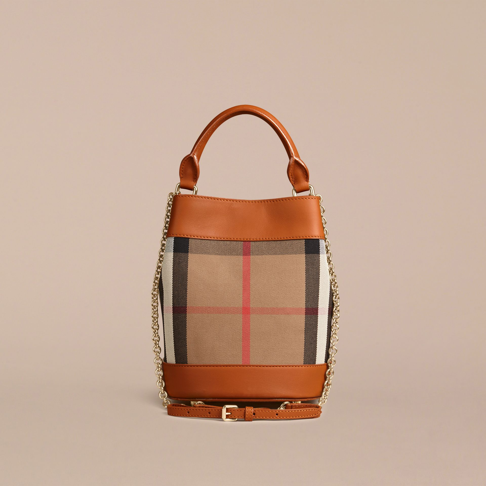 Toffee clair Petit sac Burberry Bucket en coton House check et cuir Toffee Clair - photo de la galerie 3