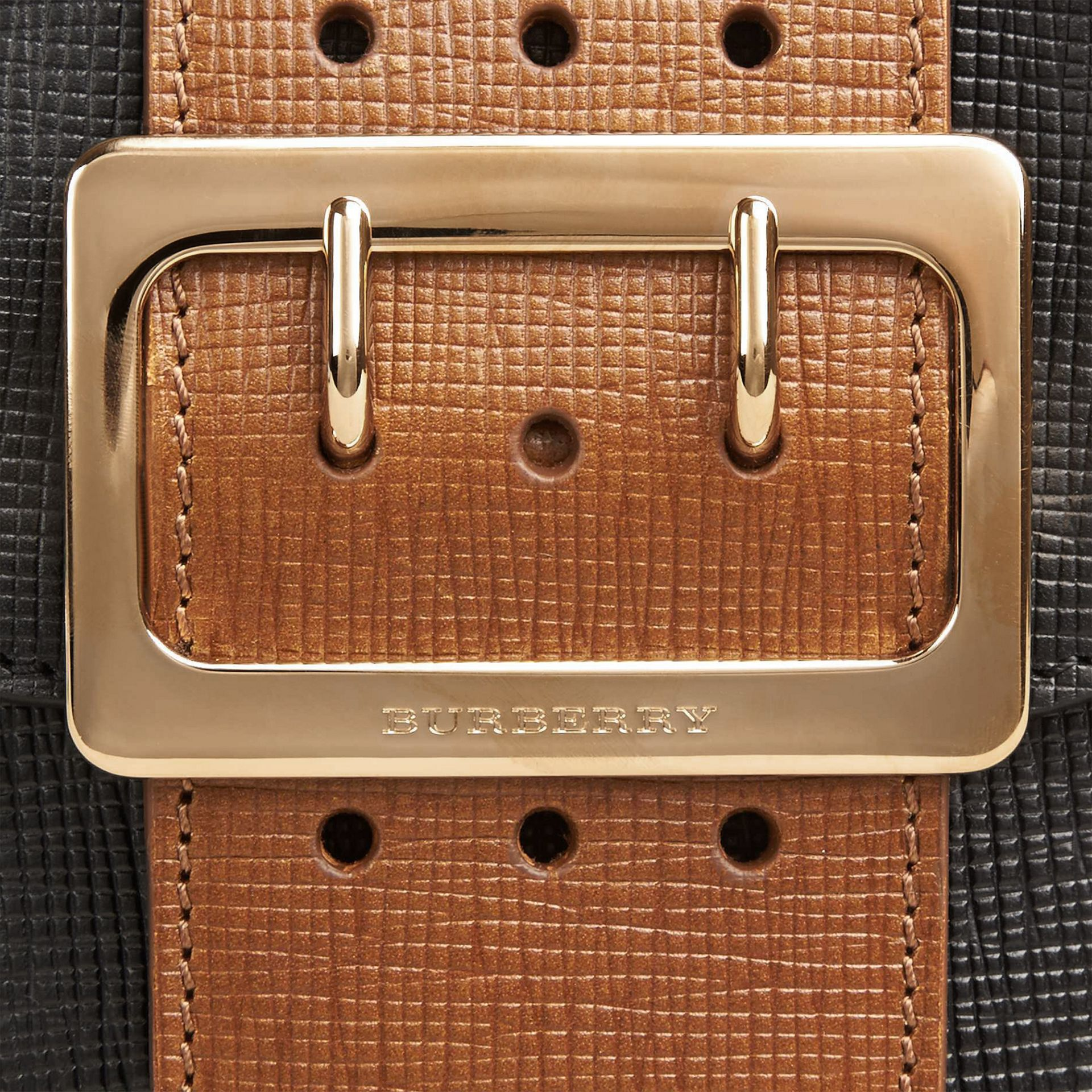 Nero Borsa The Buckle quadrata piccola in pelle e motivo House check Nero - immagine della galleria 2
