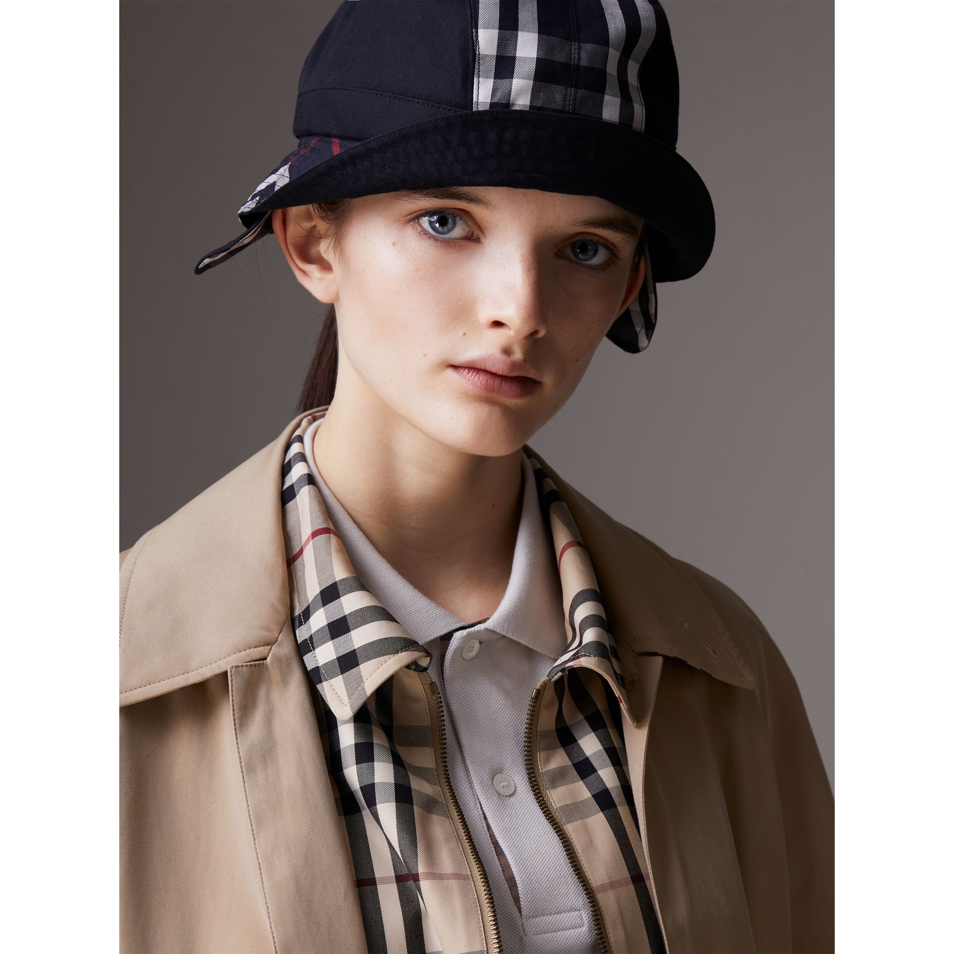 Gosha x Burberry Bucket Hat in Navy | Burberry Hong Kong - gallery image 3