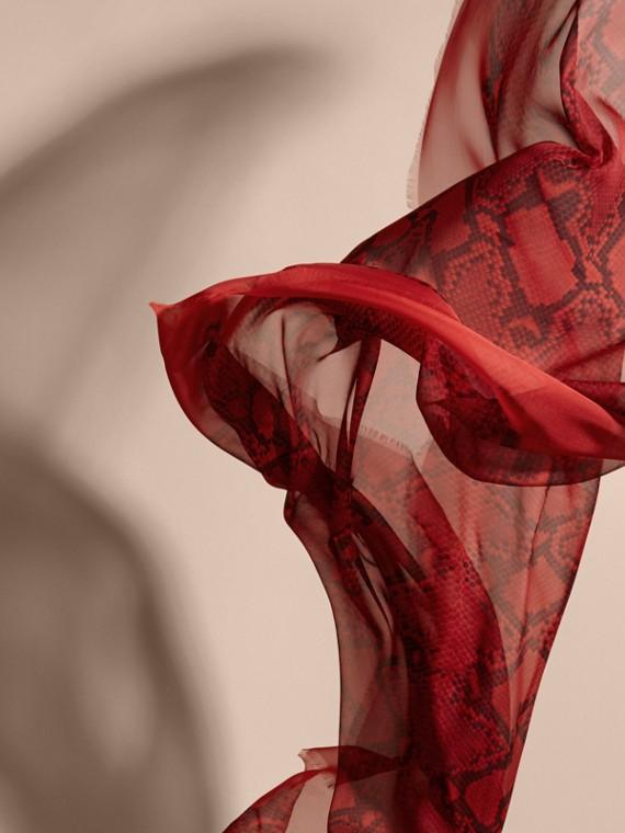 Windsor red Echarpe de seda com estampa de píton Windsor Red - cell image 3