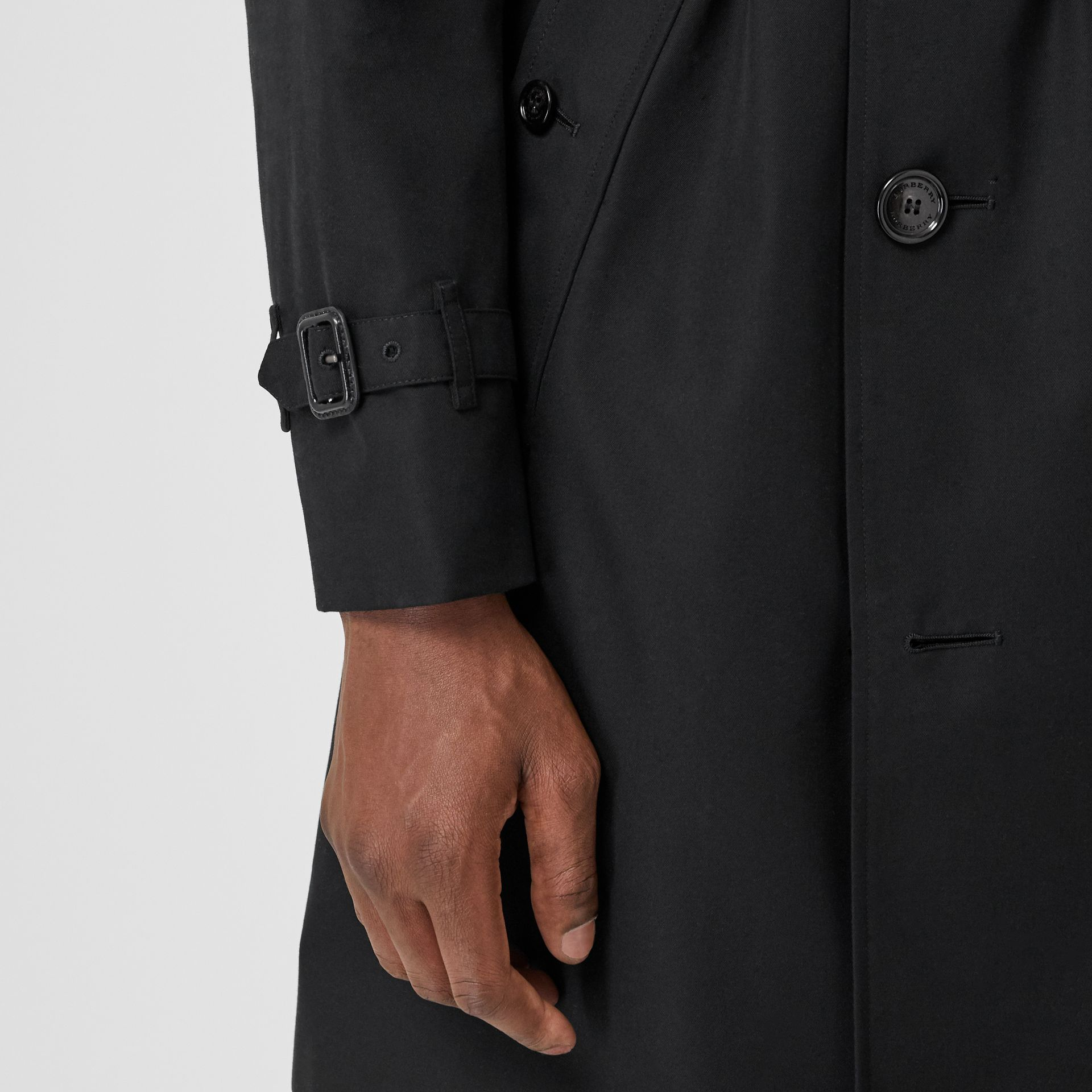 The Chelsea Heritage Trench Coat in Black - Men | Burberry Canada - gallery image 5