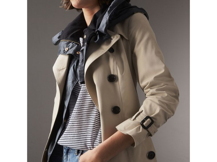 The Sandringham – Extra-long Trench Coat in Stone - Women | Burberry Singapore - cell image 4