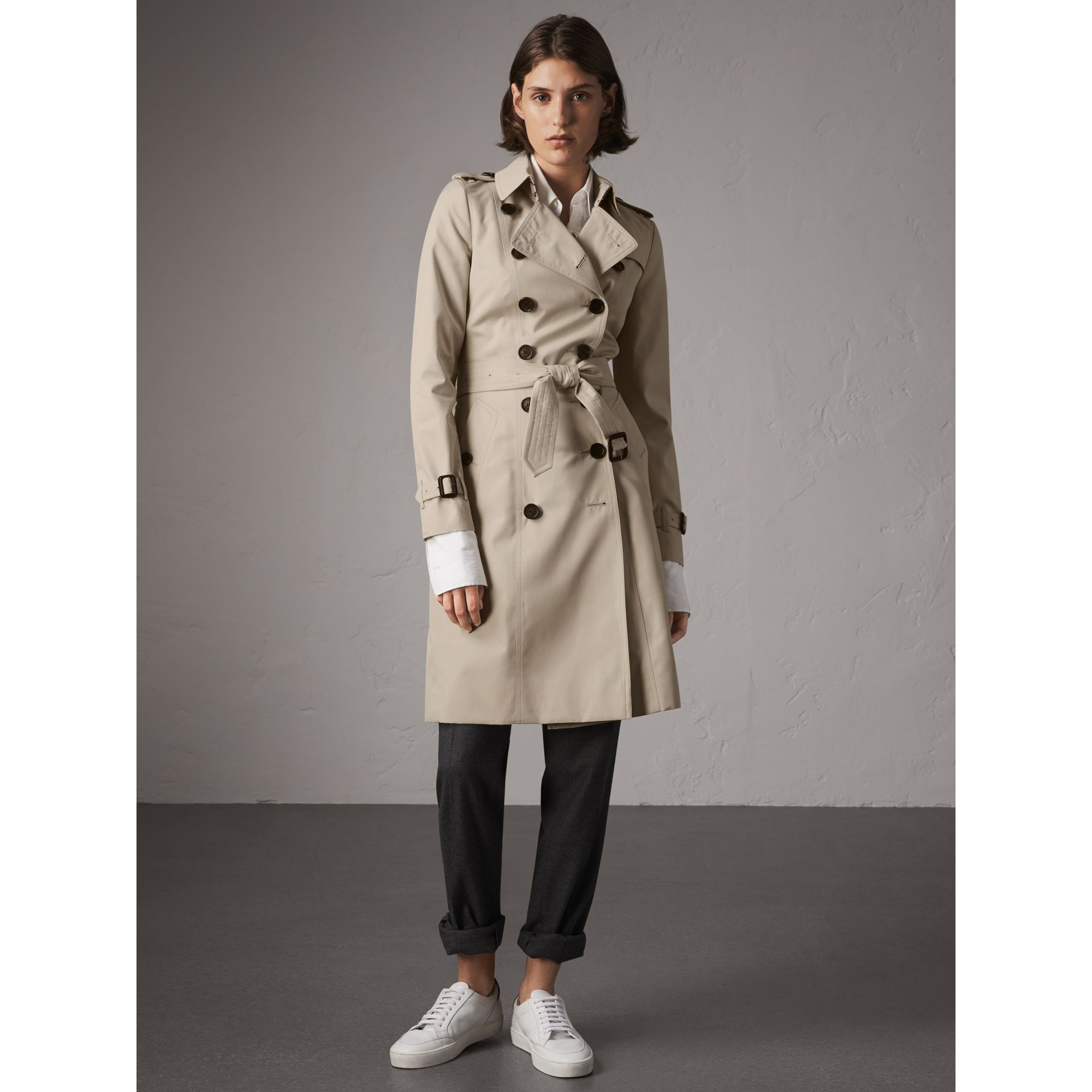 The Chelsea – Long Trench Coat in Stone - Women | Burberry - gallery image 7