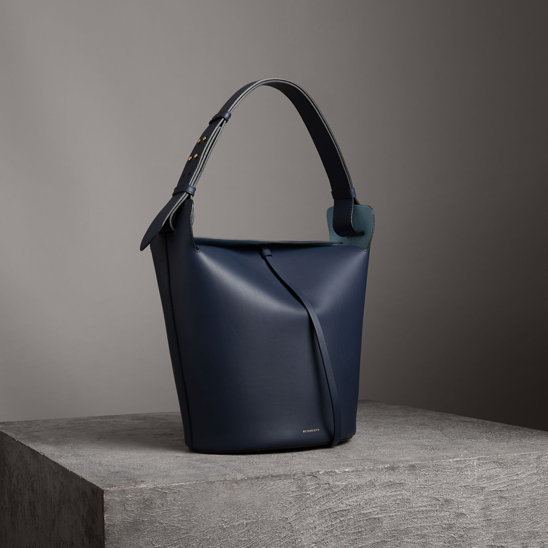The Large Leather Bucket Bag in Mid Indigo - Women | Burberry Singapore - gallery image 5