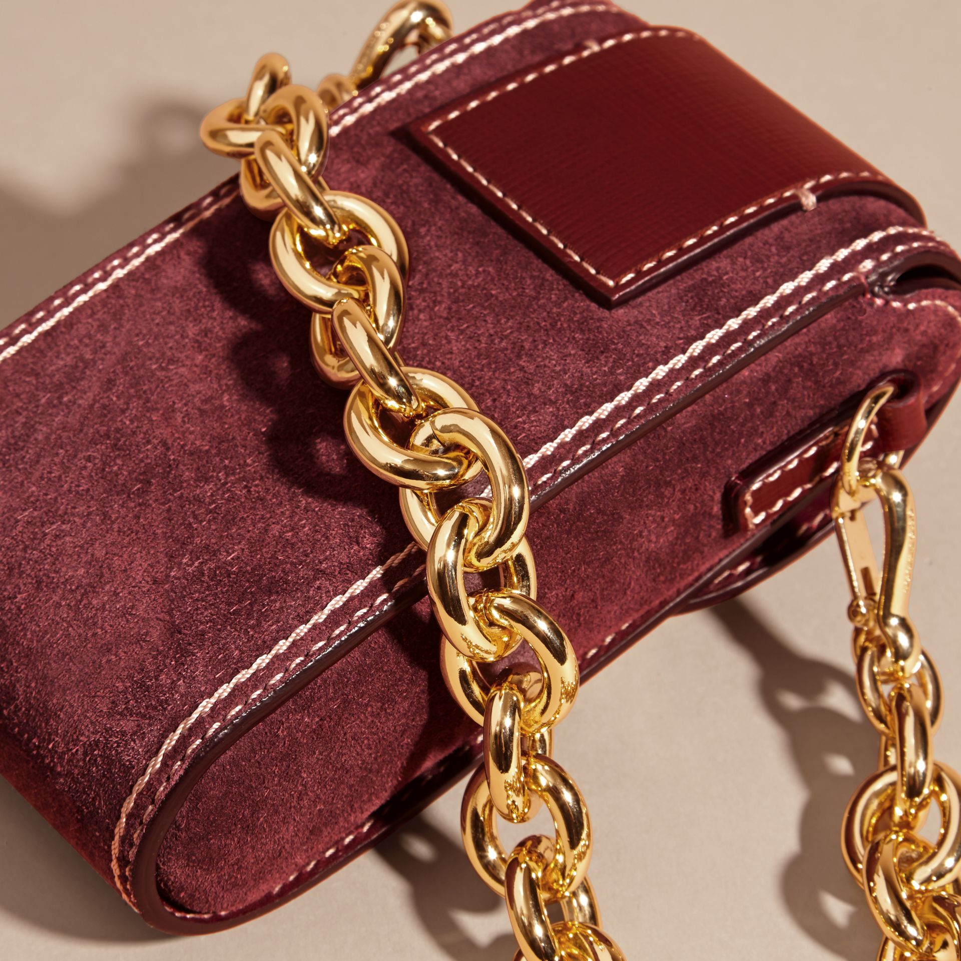 Mahogany red The Buckle Bag – Oblong in Suede - gallery image 2
