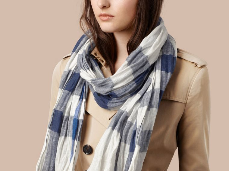 Chalk white check Check Linen Crinkled Scarf Chalk White - cell image 1