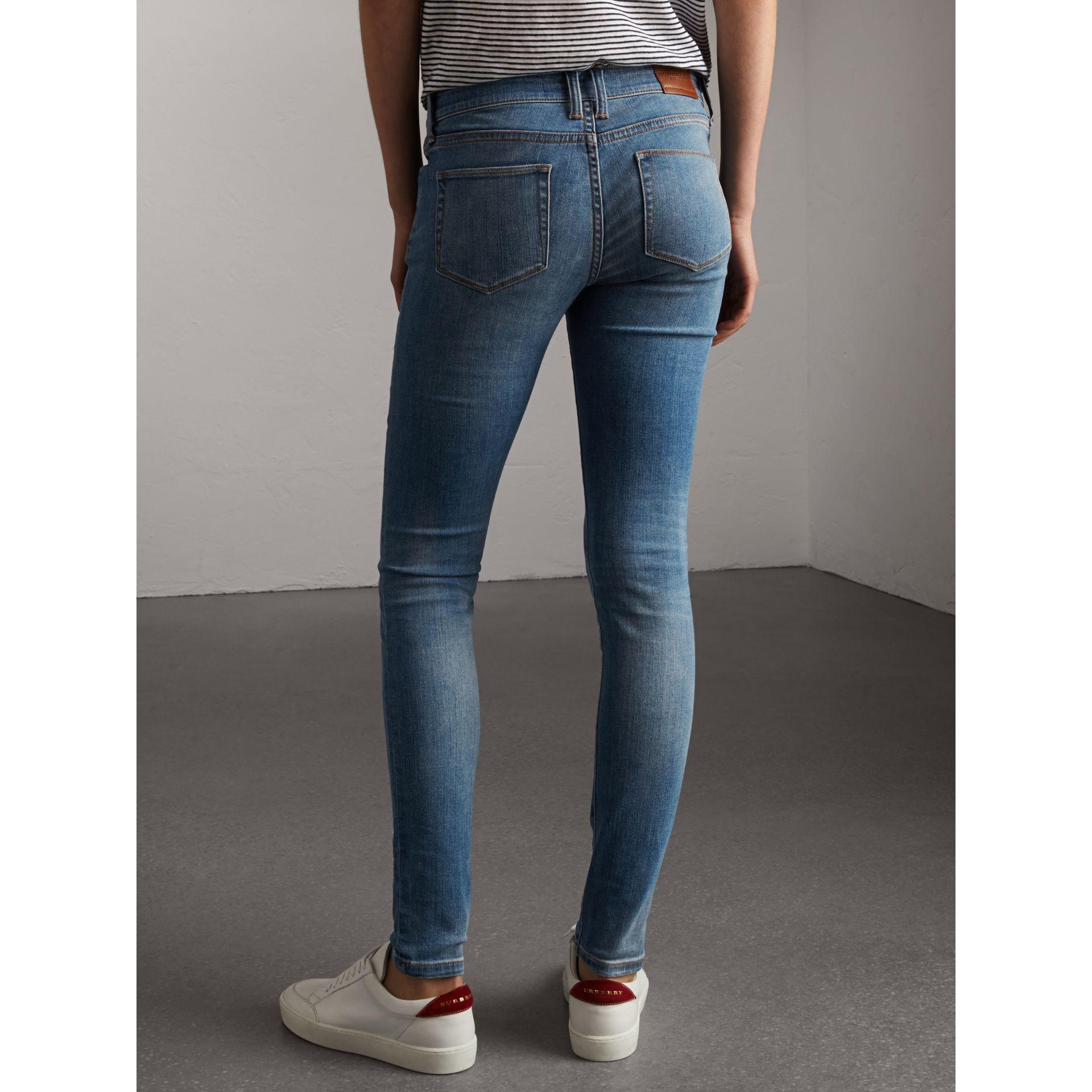 Skinny Low-Rise Vintage Wash Jeans in Mid Indigo - Women | Burberry Canada - gallery image 3