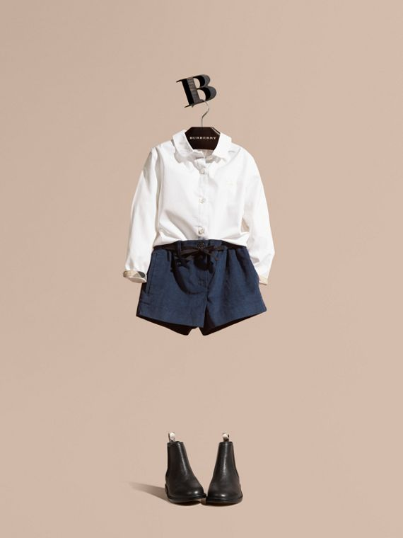Peter Pan Collar Stretch Cotton Shirt in White
