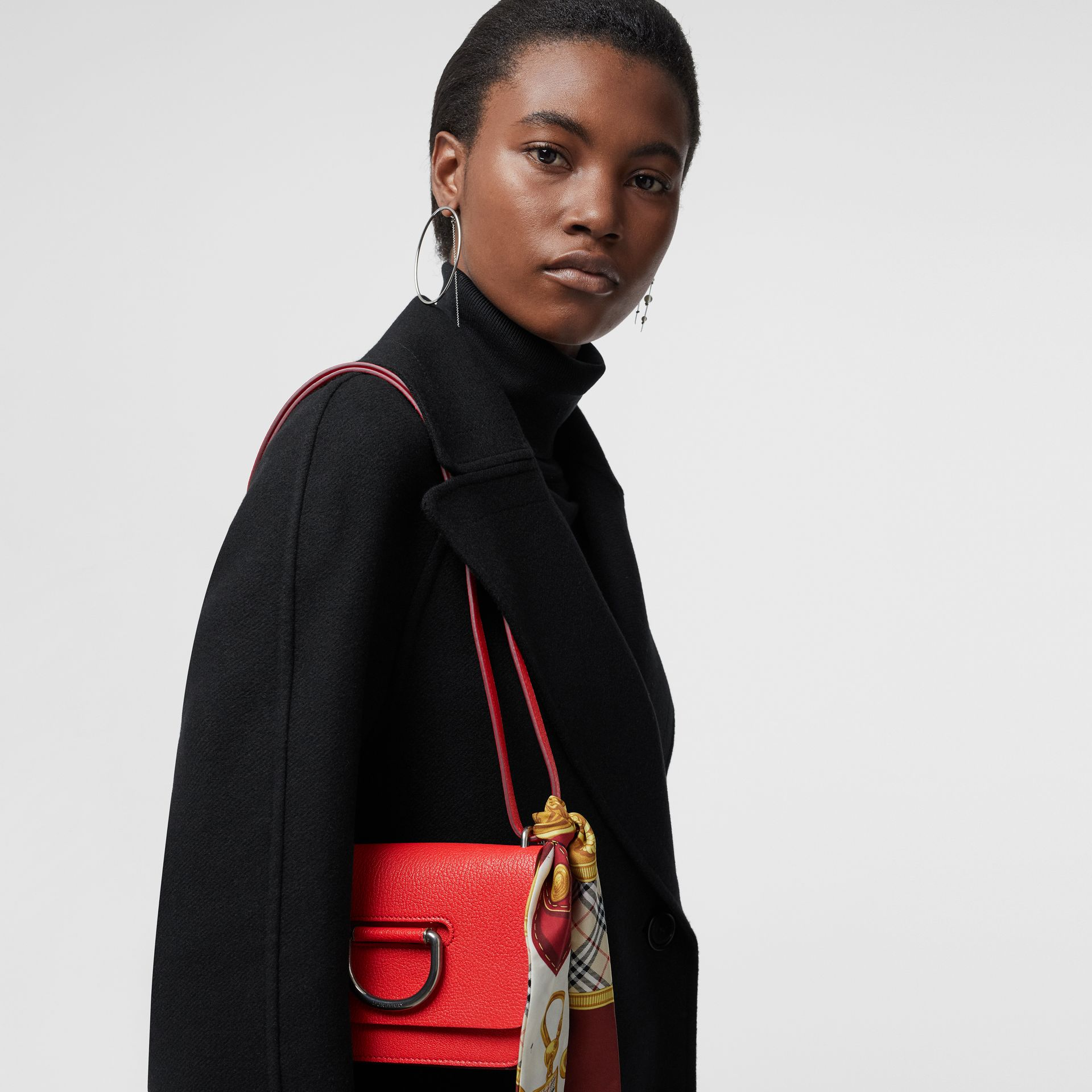 Mini sac The D-ring en cuir (Rouge Vif) - Femme | Burberry Canada - photo de la galerie 3