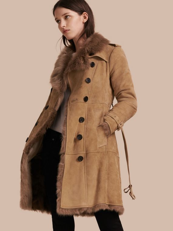 Trench-coat en shearling Camel