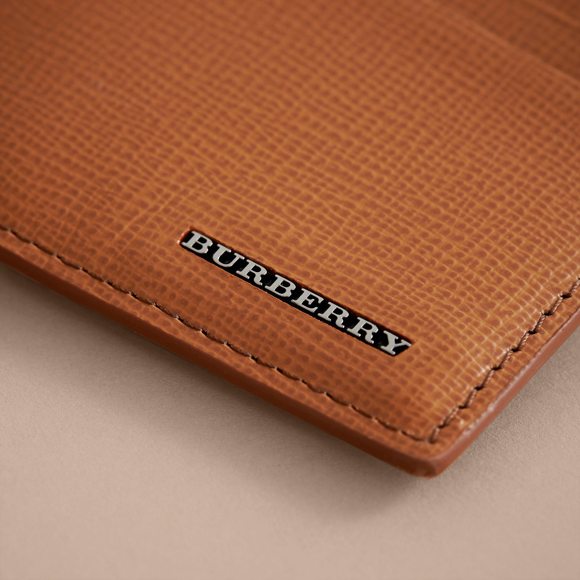 London Leather Money Clip Card Case in Tan - Men | Burberry - gallery image 2