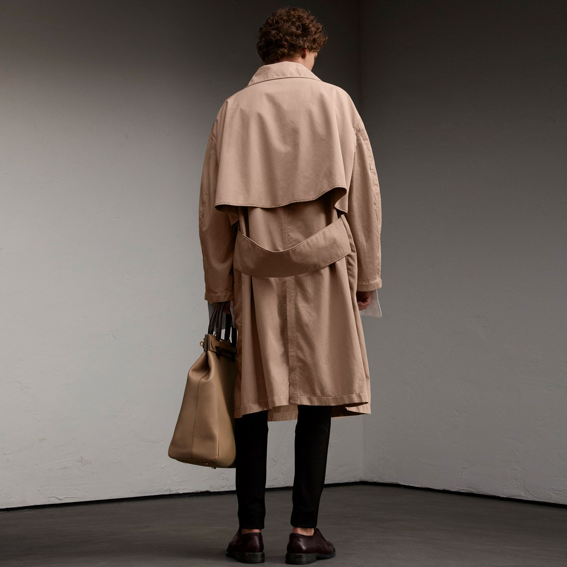 Unisex Tropical Gabardine Car Coat in Antique Taupe Pink - Men | Burberry Canada - gallery image 5