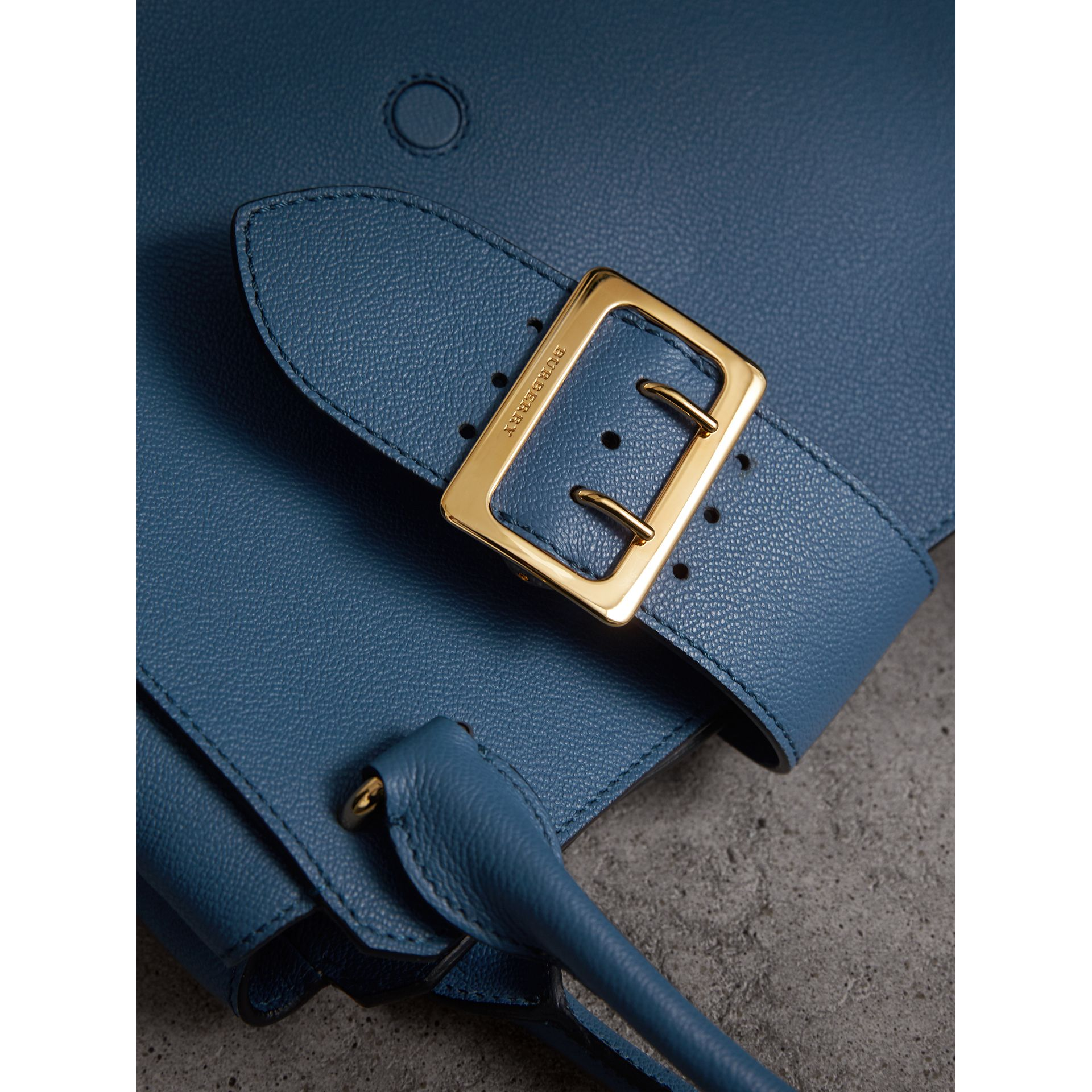 The Medium Buckle Tote in Grainy Leather in Steel Blue - Women | Burberry Australia - gallery image 2